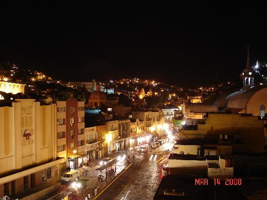 Hotel Insurgente Allende: Avenida Juárez