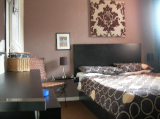 The Chedburgh Hotel: my room