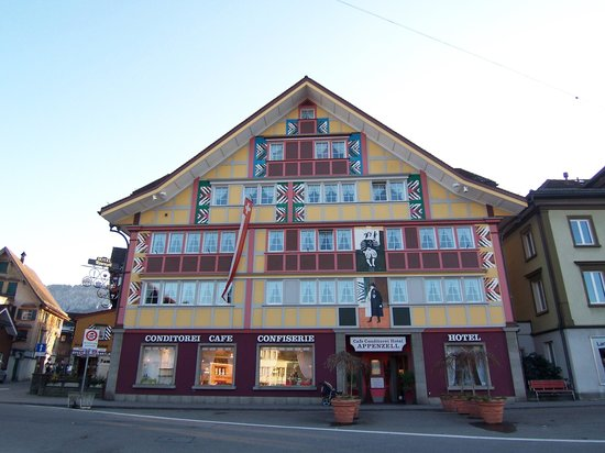 Hotel Appenzell : Hotel outside