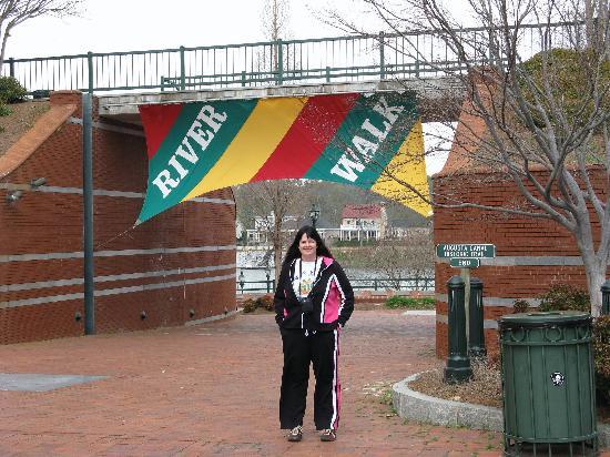 Augusta Marriott at the Convention Center: Augusta Marriott - Riverwalk - Karen