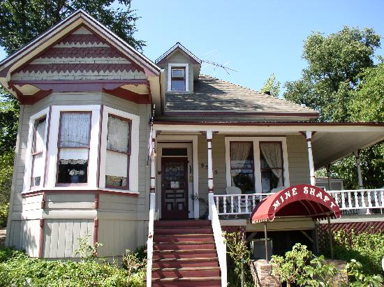 Plymouth, Californië: old style victorian B&B.