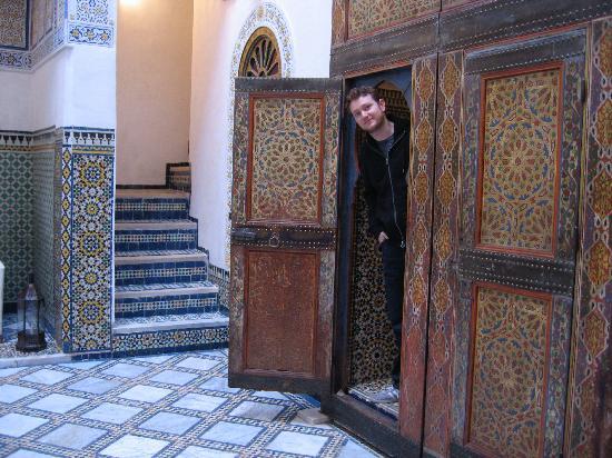 Dar Attajalli: Doorway to a groundfloor guestroom
