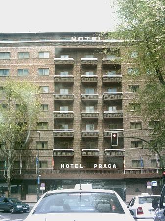 Hotel Praga Front Of