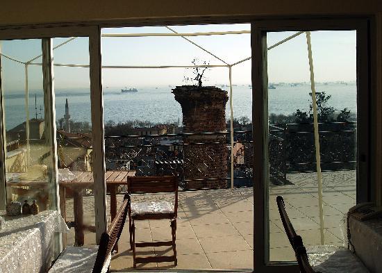 Ada Hotel Istanbul: the breakfast room