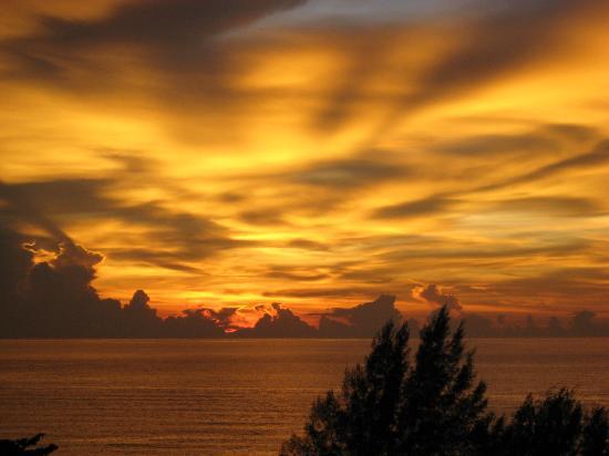 PARKROYAL Penang Resort, Malaysia: Sunset View