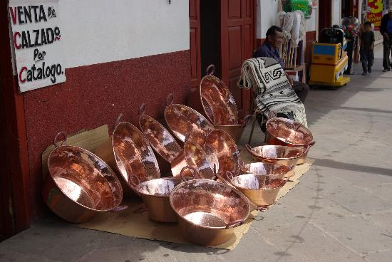 Santa Clara del Cobre: Copper tubs in front of one of the many shops that sell copper items.