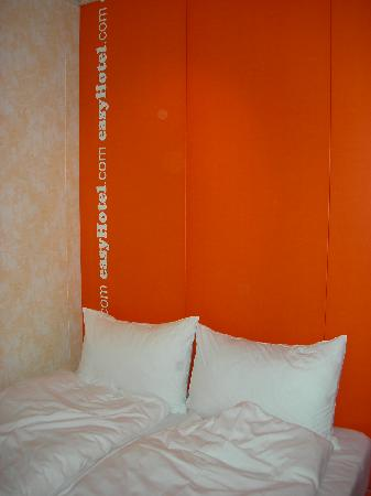 easyHotel Budapest Oktogon: The room - Bed
