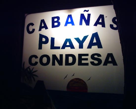 Cabanas Playa Condesa: Sign on road