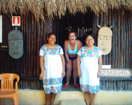 Cabanas Playa Condesa: Angela and Lupe with artist Laura Tolley Brown