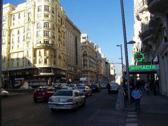 [Image: exterior-of-hostel-metropol.jpg]
