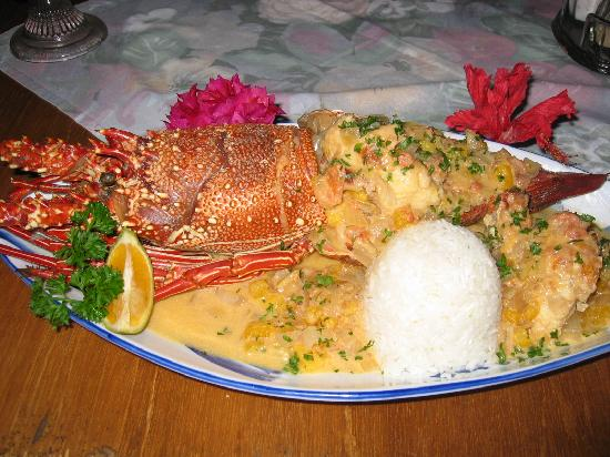 Heilala Holiday Lodge: Huge lobster on a plate
