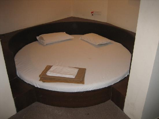 Hotel Bandra Residency: Gross..really!