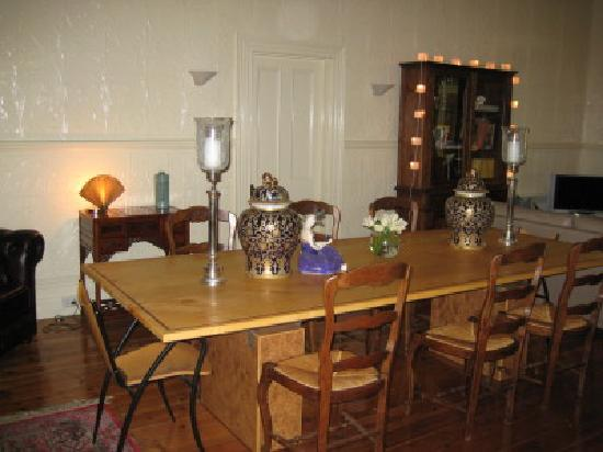 Farmers Arms Retreat: Dining room