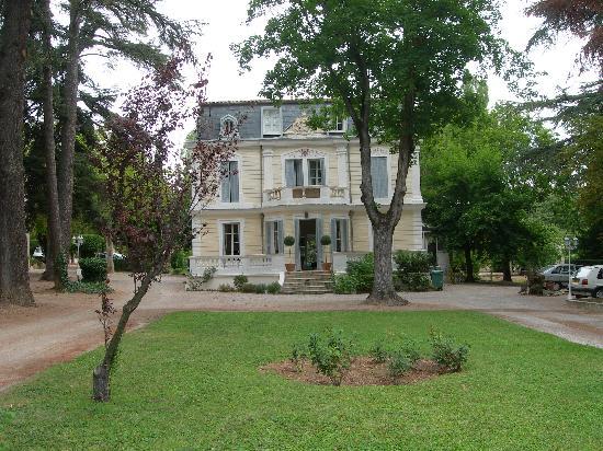 Villa la Castellane : fronte hotel