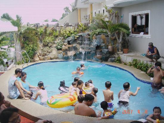 Marabella Palace Resort: fun time in the pool
