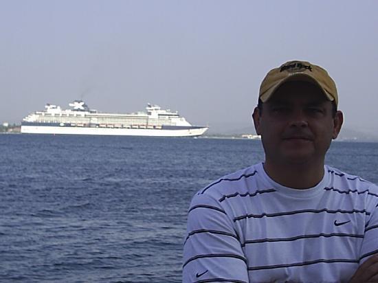 Hotel Cartagena Plaza : crucero hermoso en la bahia