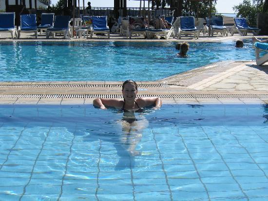 Bella Napa Bay Hotel: Pool at Bella Napa