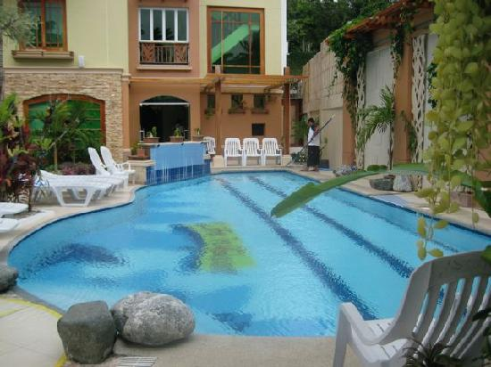 Boracay Beach Club: Inviting pool!