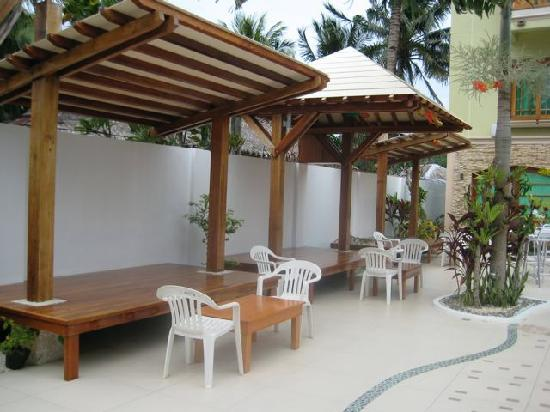 Boracay Beach Club: poolside cabanas