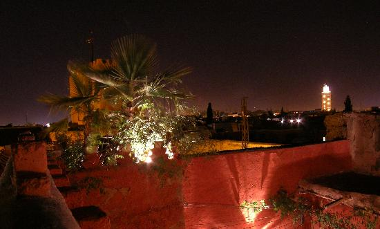 Riad Chraibi : roof garden at night as well