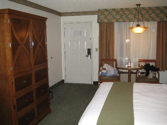 Holiday Inn Express Simi Valley : room