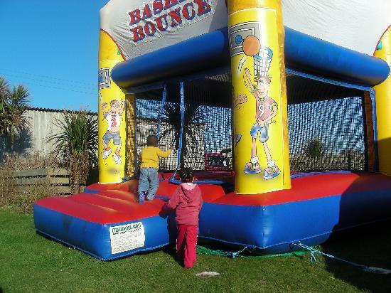 Sands Resort Hotel & Spa: One of 2 bouncy castles @ Sands