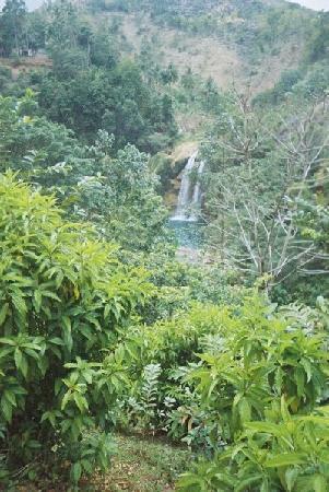 Camp Perrin, Haiti: Arriving to Saut Mathurine