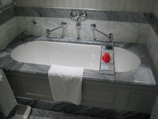 Hotel Kamp: Bath