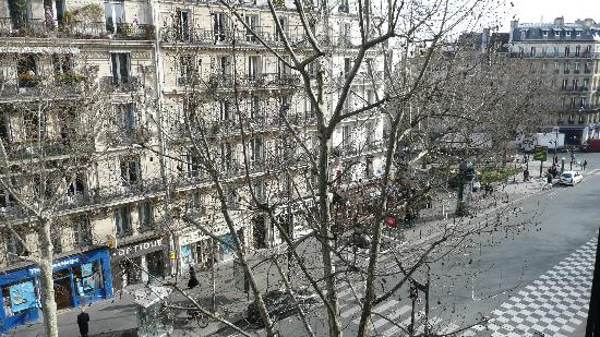 Hotel Studia : View of street from room