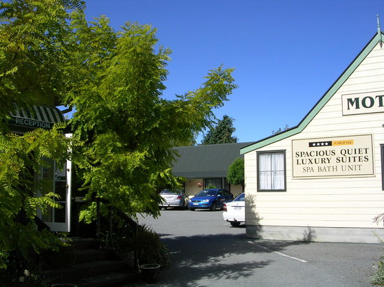Glenalvon Lodge Motel and B&B: Exterior