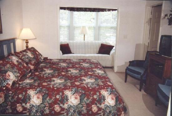Kimberling City, MO : The other bedroom suite.