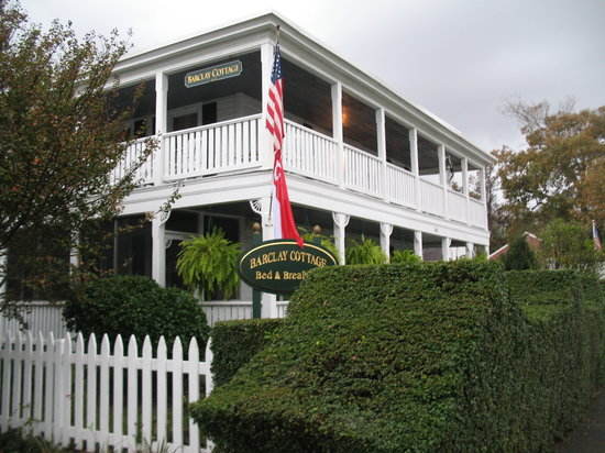 Barclay Cottage Bed and Breakfast : Exterior shot of the Barclay cottage