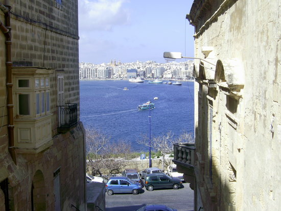 La Valeta, Malta: back street view looking out to the bay