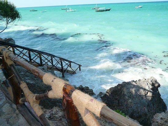Ras Nungwi Beach Hotel: Steps to beach - high tide