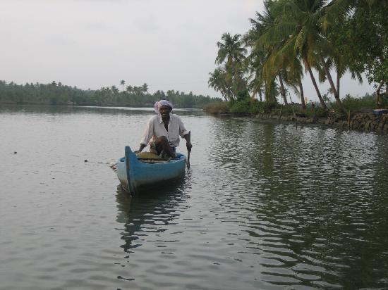Emarald Pristine Island Floating Resort: local fishing on the backwaters