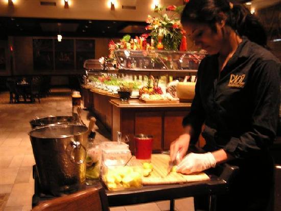 Rioz Brazilian Steakhouse: Caipirinha Drink tableside preparation