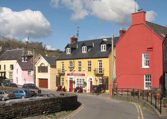 The Bullman public house at Summercove, Kinsale.