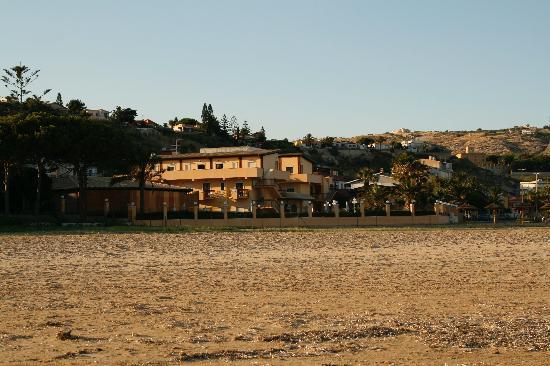 Villa Romana Hotel : Hotel in distance from beach