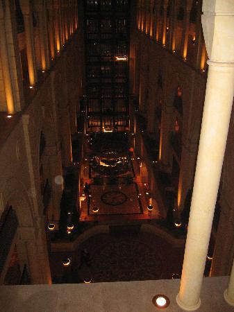 Michelangelo Hotel: View down to bar