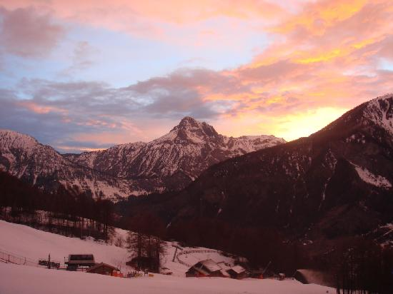 Bardonecchia, İtalya: Sunset in the montains