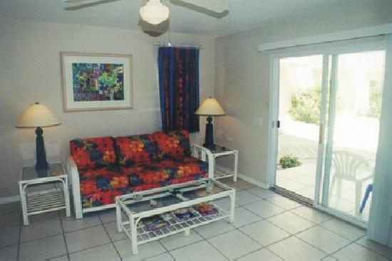 Carib Sands Beach Resort: 1-BR living room