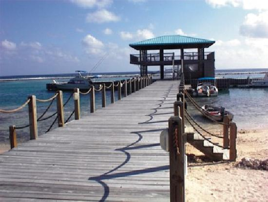 Carib Sands Beach Resort: Dock pavillion