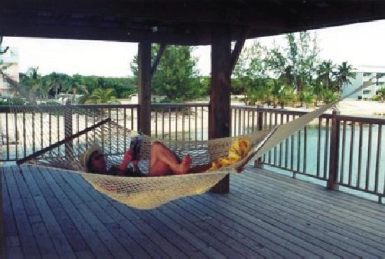 Carib Sands Beach Resort: Relaxing in a hammock