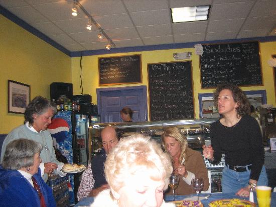 Rose Cove Cafe: Inside Rose Cove