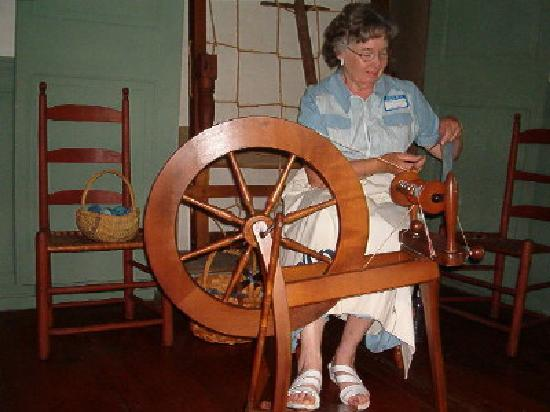 Wing Fort House : Murphy Bed and spinning wheel in original room