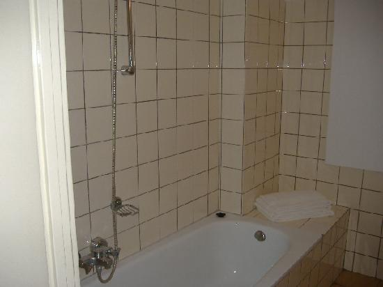 The Bridge Hotel: bagno n 225