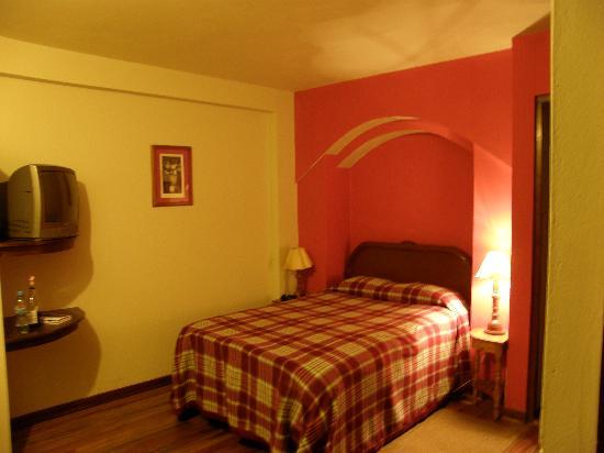 Casa Vieja: Room