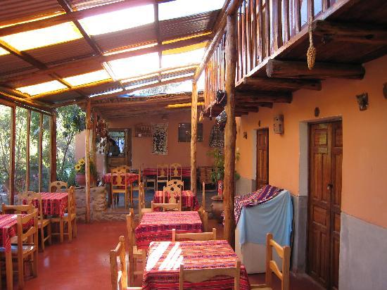 Casa Hospedaje K'Antuyoc: B&B Lobby