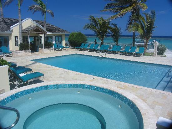 Coyaba Beach Resort: Coyaba pool and hot tub