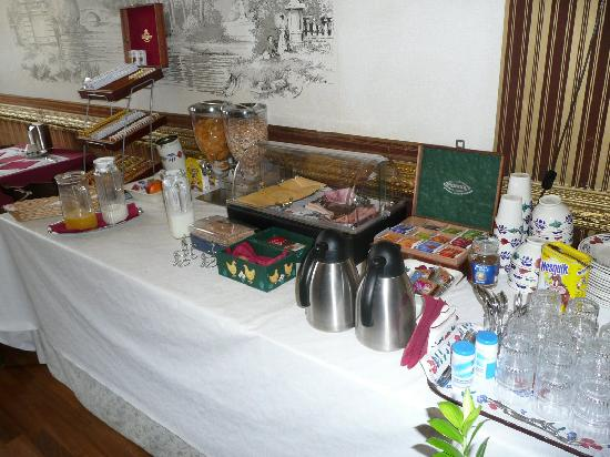 Amsterdam Hotel Parklane: The Breakfast Table after Buffet Breakfast is Finished (10am) - still plenty left! (2008)